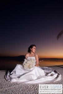 fotografia de novias al atardecer en chapala jalisco sesiones locaciones para fotografias de bodas novias novios sesiones fotograficas de compromiso o formales