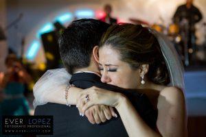 el mejor fotografo de bodas es capaz de captar los momentos mas emotivos de tu boda en guadalajara jalisco