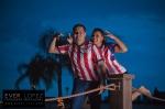 fotos creativas de bodas en mexico, novios aficionados a las chivas, fotos de novios bodas chivas, fotografos creativos de bodas