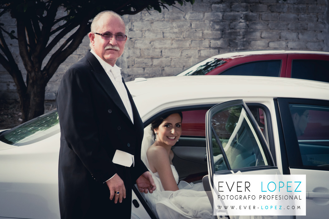 fotos papa novia boda guadalajara jalisco mexico nuestra senora de la salud zapopan templo iglesia