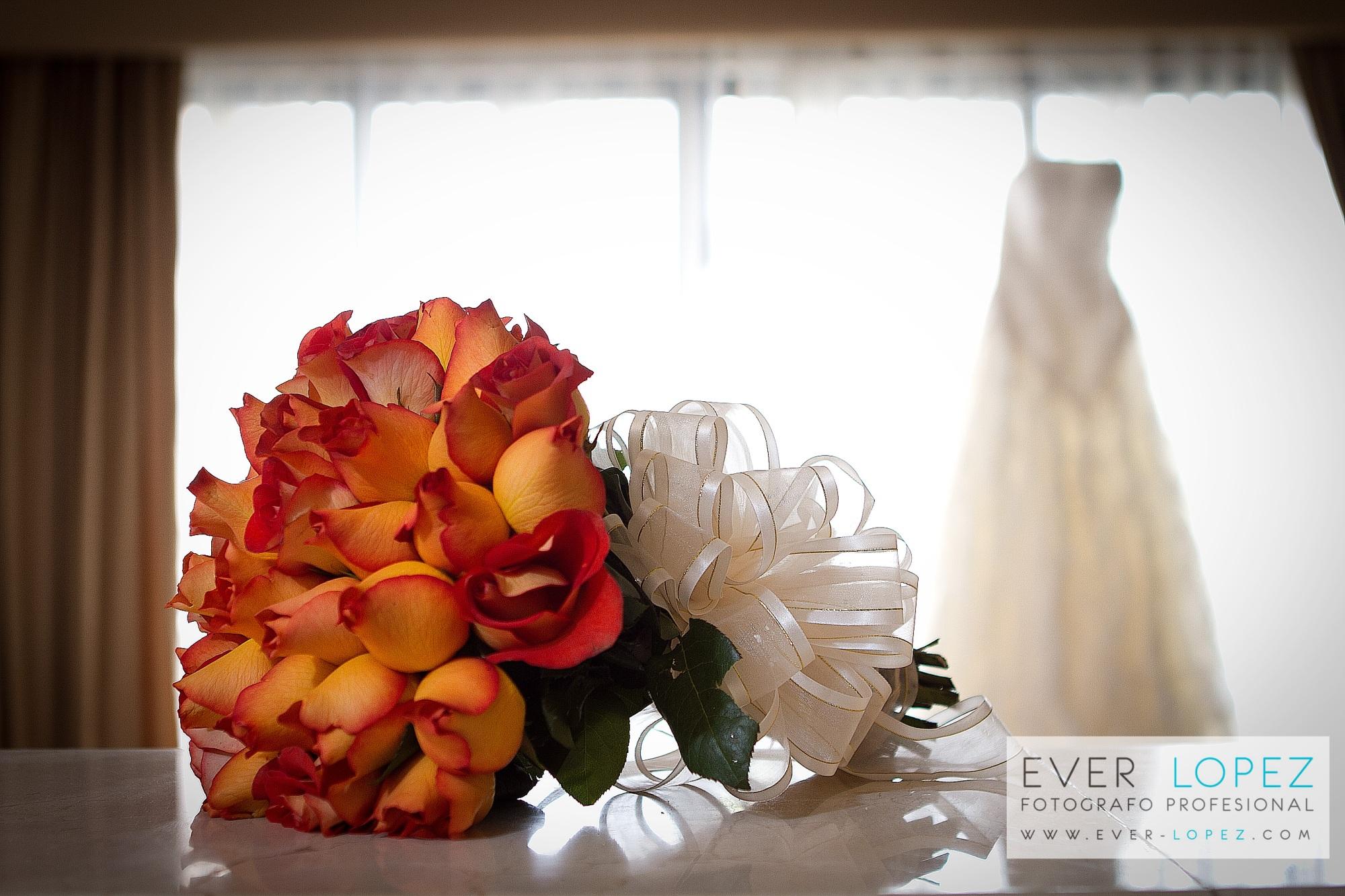 mexican destination wedding photographer best photography groom bride dress shoes bouquet