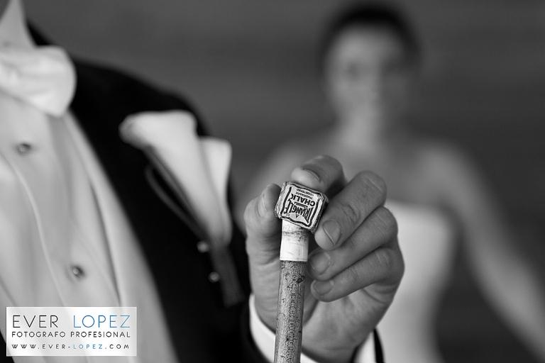 mejores fotos de bodas, fotografos de bodas en guadalajara jalisco mexico, foto novio billar