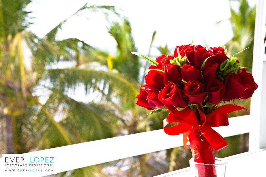 Boda en playa Nuevo Vallarta, hotel Villa Varadero – Rossy yRamon
