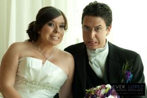 fotos de novios en boda guadalajara, fotos formales en hotel riu NH guadalajara jalisco