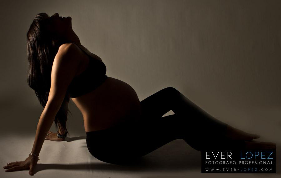 Fotografias embarazo Valeria, sesión fotografica de maternidad GuadalajaraJalisco.