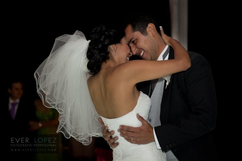 fotos boda chapinaya lago de chapala jardin para eventos terraza fotografos bodas fotos dj lax audio iluminacion para bodas novios fotos