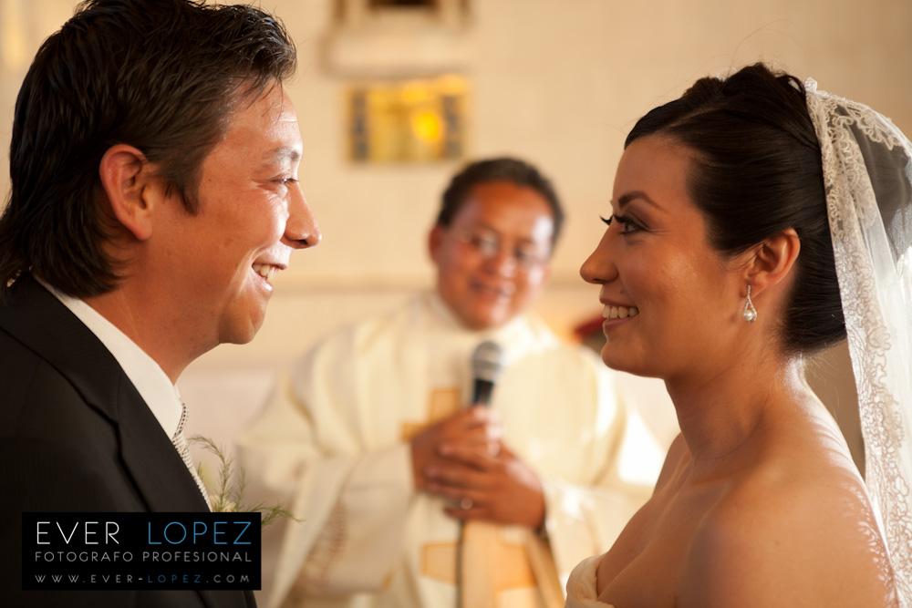 Fotografo Ever Lopez www.ever-lopez.com fotografo profesional de bodas en mexico boda el romeral zapopan jalisco mexico fotos novios iglesia fotografias modernas boda