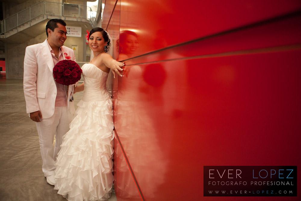 fotos novios estadio omnilife chivas guadalajara, fotografos de bodas en mexico, fotos boda mexico fotografo ever lopez