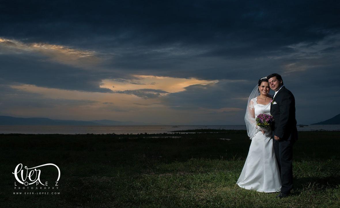 fotografo de bodas en mexico www.ever-lopez.com fotografo de boda en guadalajara jalisco mexico ocotlan laguna de chapala boda orilla laguna