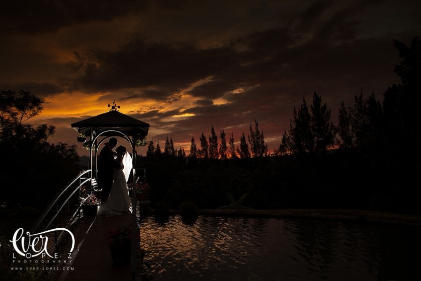 hacienda_guadalajara_bodas_lomajim_eventos_fotos_lago_novios