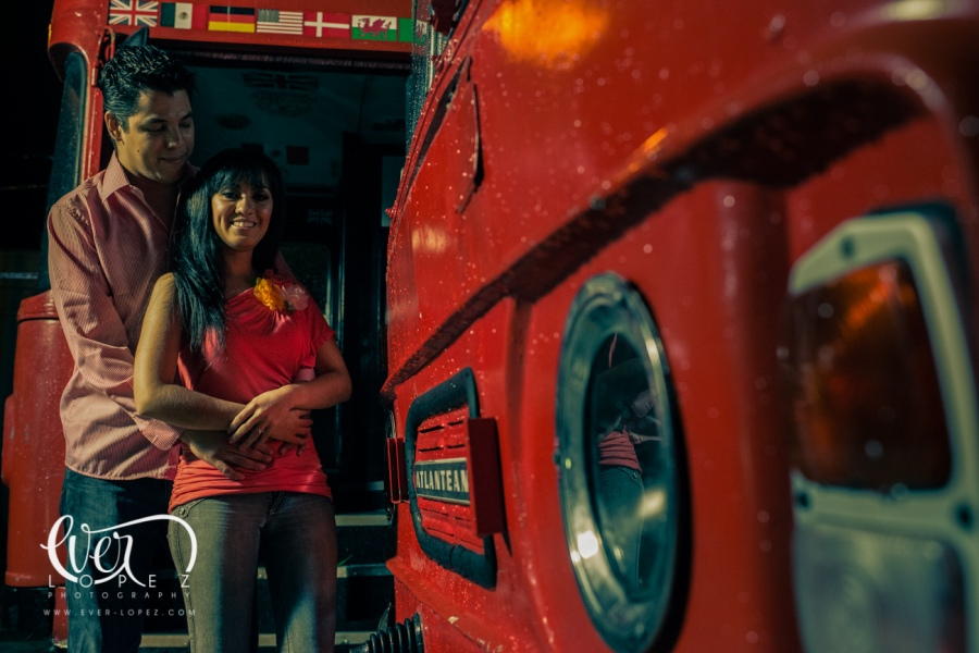 mexican destination wedding photographer ever lopez mexico, london bus engagement session pictures