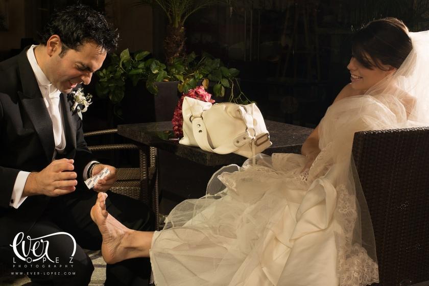 fotografo de bodas en mexico ever lopez ferrari modena fotos anillo de compromiso cavallino rampante guadalajara jalisco novios fotos formales zapopan Fotografo profesional de bodas en Mexico