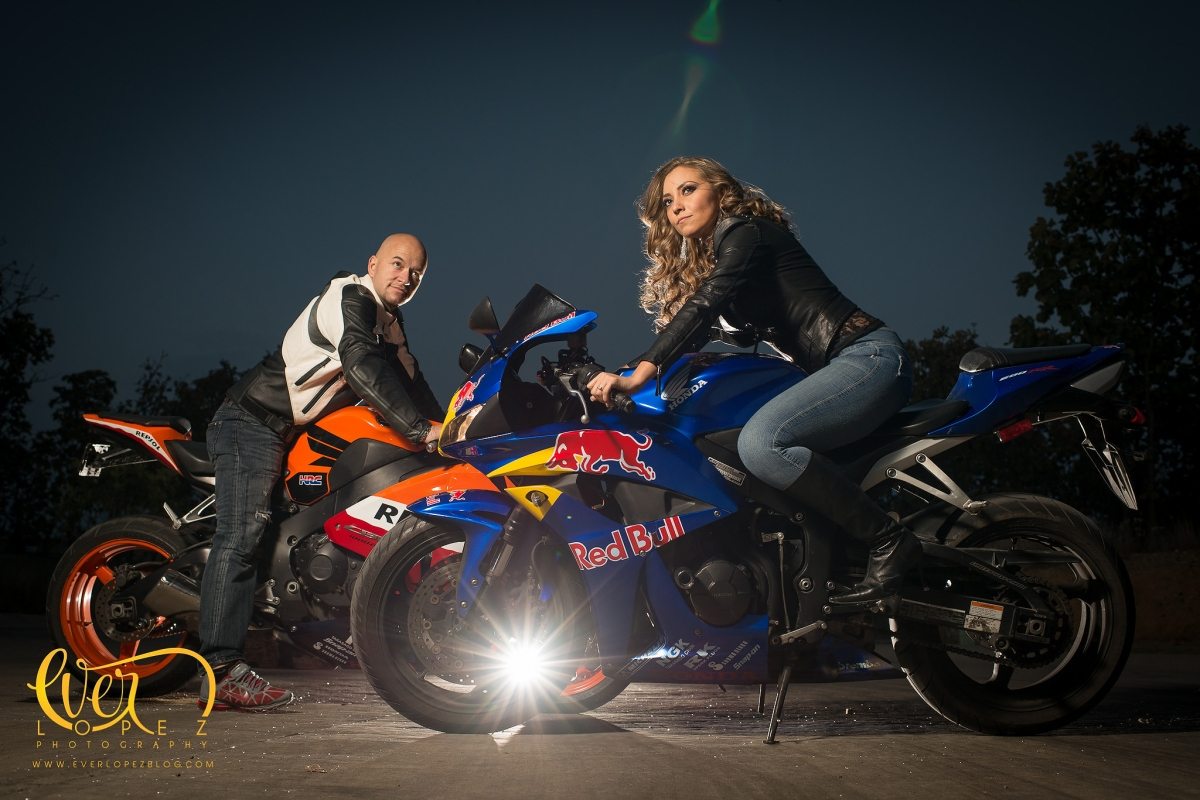 MotoGP biker lovers, Honda Repsol, RedBull Bike engagement session Mexico, mexican destination wedding photographer Ever Lopez