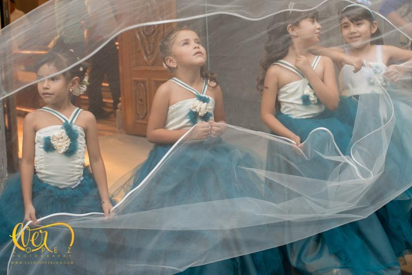 misa pajes fotos fiesta bailar fotos fotografo profesional de bodas en Ameca Jalisco Mexico fotos novios misa fiesta casuales informales www.everlopezblog.com