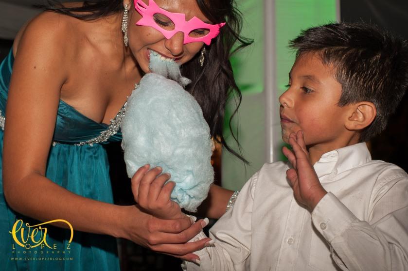 algodon de azucar fotografo profesional de bodas en Ameca Jalisco Mexico fotos novios misa fiesta casuales informales