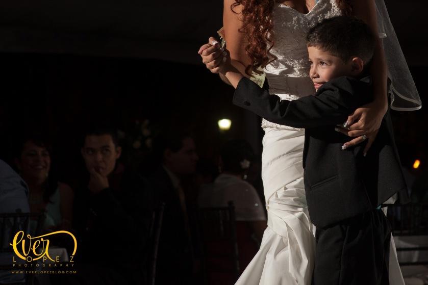 fotografo profesional de bodas en Ameca Jalisco Mexico fotos novios misa fiesta casuales informales