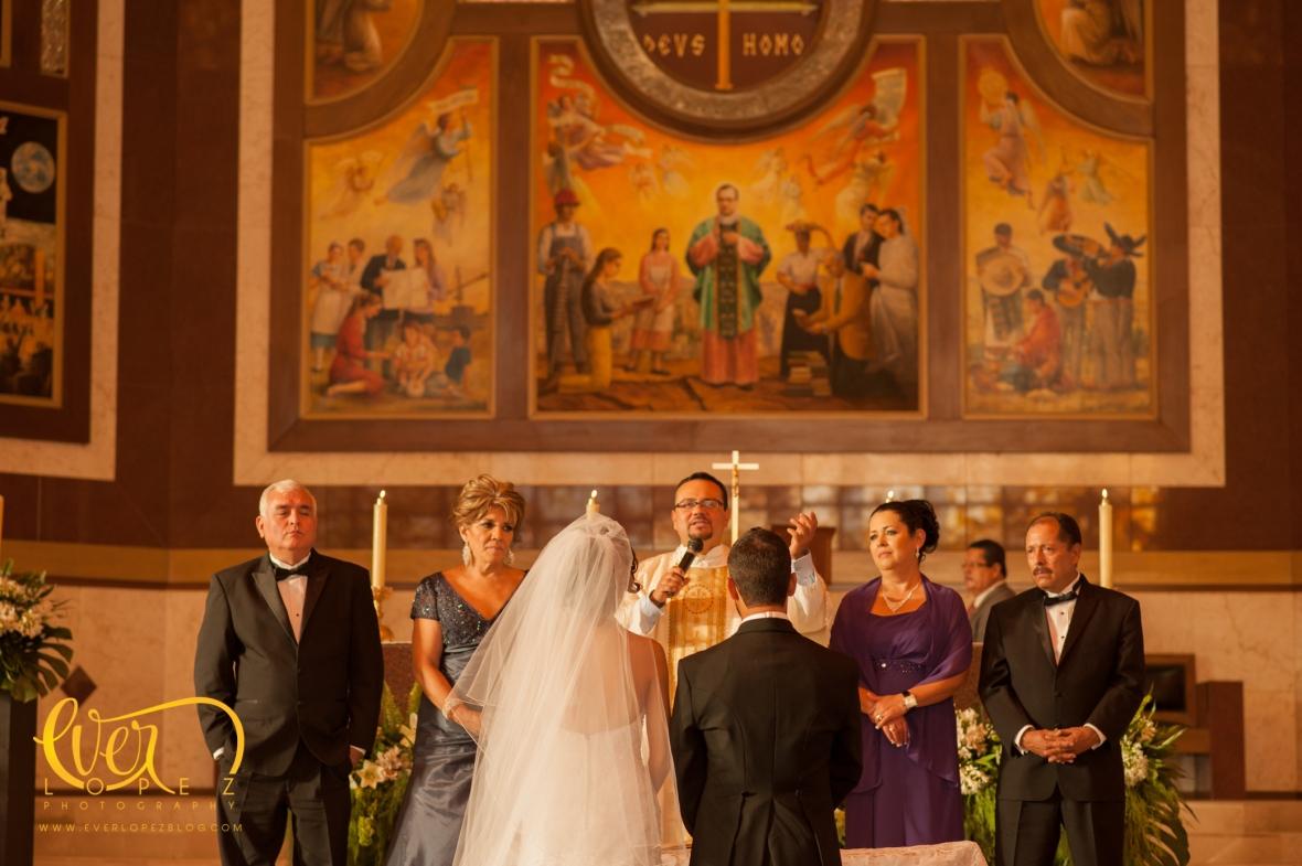 templo zapopan boda jose maria escriba de balaguer av acueducto iglesia boda novios arreglos florales guadalajara jalisco mexico