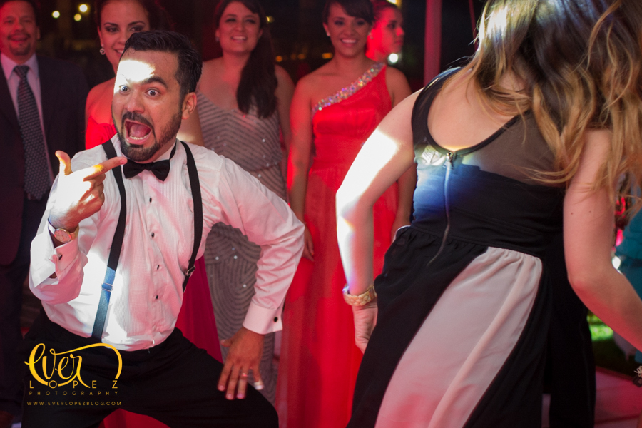 resbaladilla pista baile boda hacienda la siembra guadalajara wedding photographer fotografo ever lopez mexico fiesta live entertainment jaime duende botarga resbaladilla pista baile