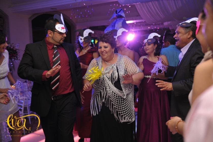 fotografia profesional  de boda guadalajara jalisco fiesta novio novia pista  accesorios