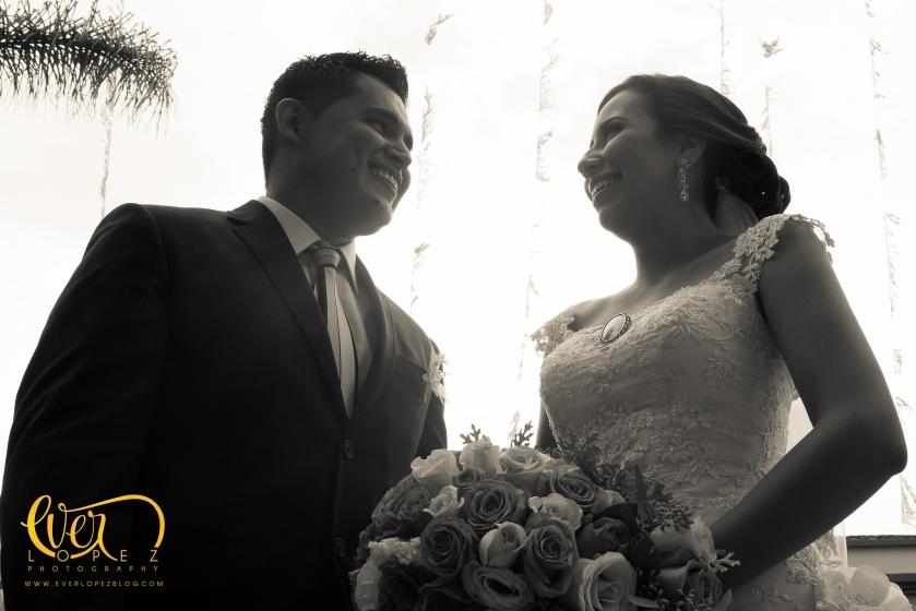 fotografo de bodas en ameca jalisco mexico ever lopez fotos club de leones arreglos decoracion bodas fotos afuera de la iglesia