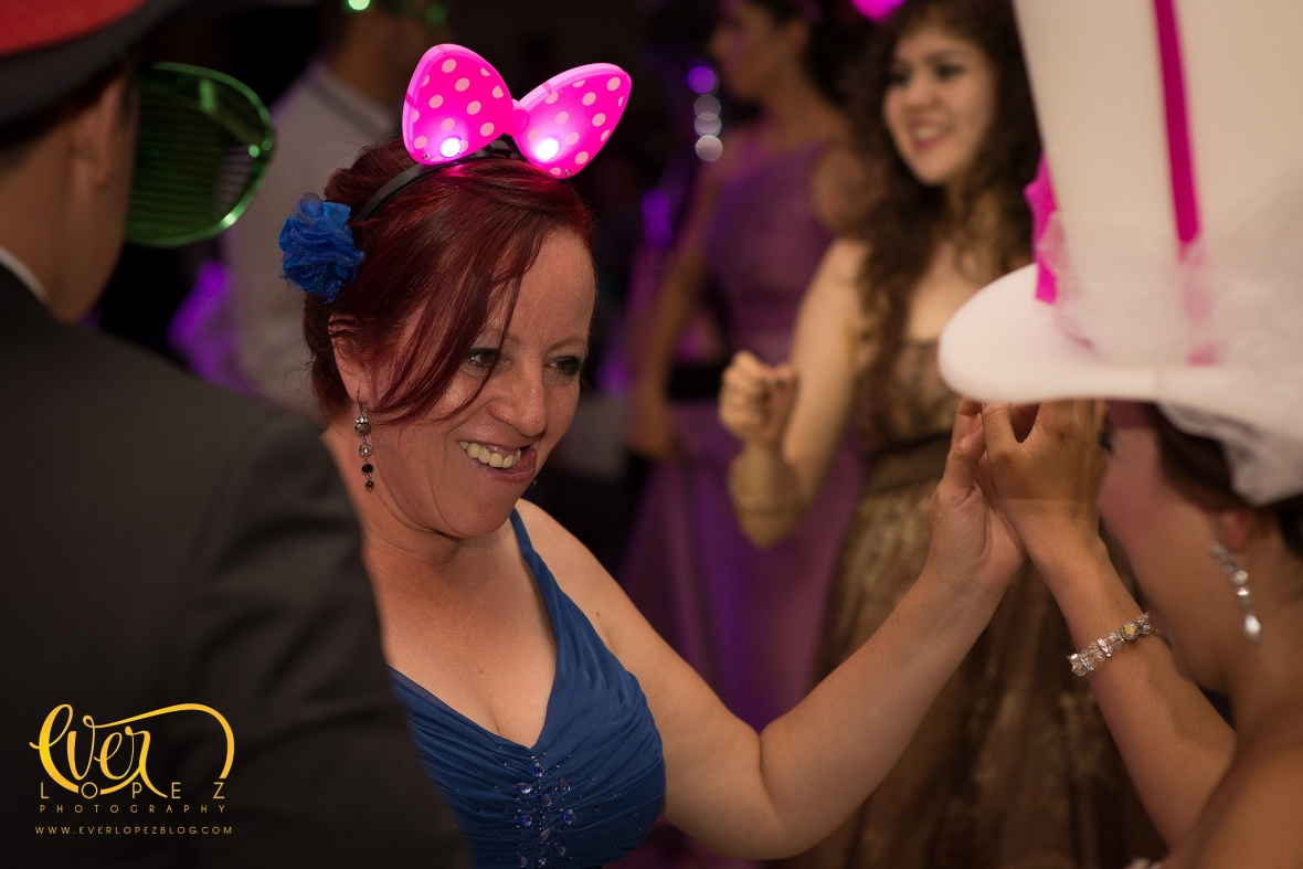 www.everlopezblog.com fotografo de bodas en ameca jalisco mexico ever lopez fotos club de leones arreglos decoracion bodas grupo versatil musica fiesta decoracion ambiente