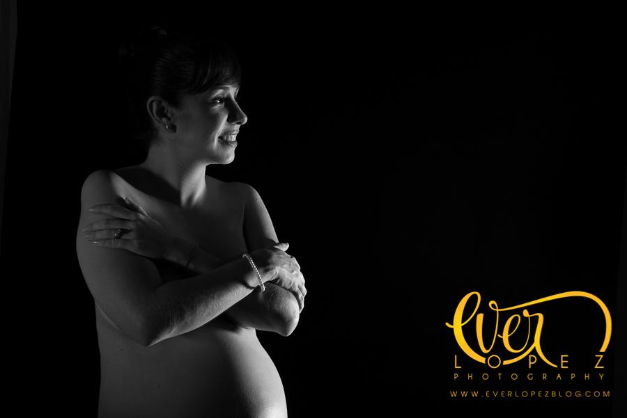 fotografo de embarazo, sesiones de estudio, desnudo artistico, fotos de maternidad, embarazada desnuda, fotos, fotografias embarazo, estudio guadalajara fotos, fotos maternidad, fotografo ever lopez, fotos bebes recien nacidos, fotografias blanco y negro, byn fotos embarazo, desnudo www.everlopezblog.com