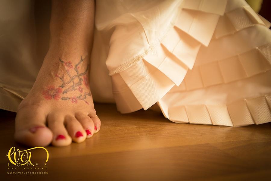 fotos arreglo de la novia, novia mexicana, novia tatuada, fotos novias tatuadas, tatuajes de novia, fotografo de bodas Ever Lopez, fotos novios pre boda, arreglo de la novia