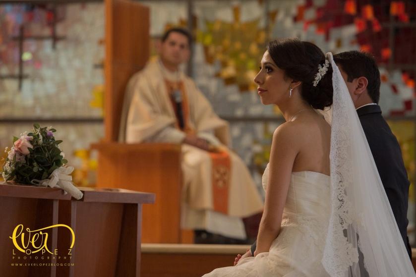 fotografo de bodas Guadalajara Jalisco Mexico templo maria madre nuestra valle real fotos boda novios novia vestido fotos bonitas de boda fotografo profesional de bodas en Mexico Ever Lopez fotografia profesional creativa de bodas en Mexico mejores fotografos de bodas mexico www.everlopezblog.com