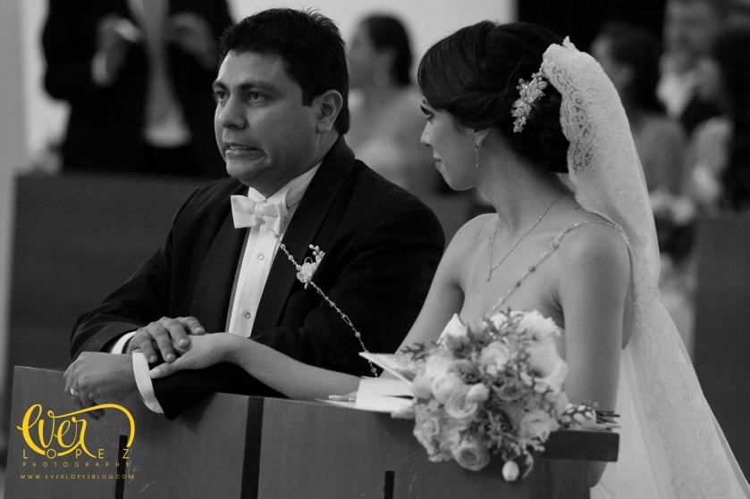fotos boda Valle Real, fotografo de bodas guadalajara zapopan jalisco mexico, fotografos de boda en Mexico, www.everlopezblog.com fotos boda club jacarandas valle real dj musica para bodas mariachi bodas civiles.
