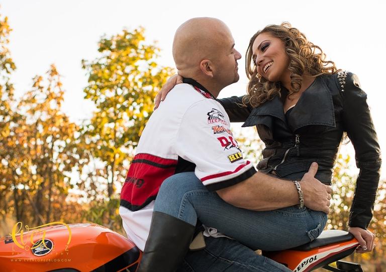 fotografo profesional de bodas EverLopez sesion casual de boda fotos novios motos de pista colima veracruz manzanillo www.everlopezblog.com