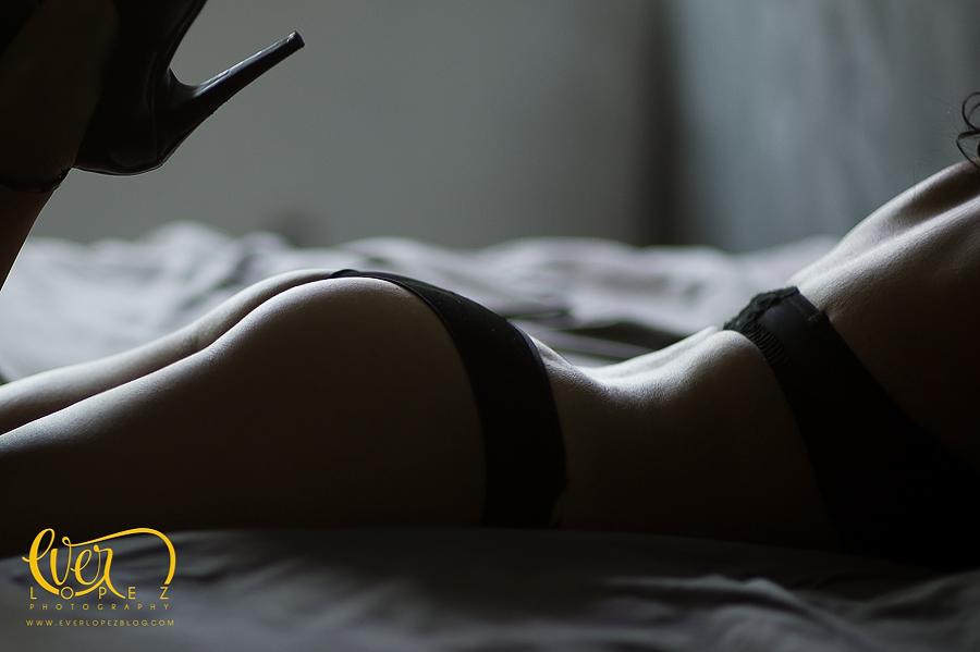 fotos boudoir guadalajara jalisco mexico zapopan fotografo profesional novia sesion pre boda lenceria para novias Sesion, fotos, fotografias, lenceria, novia, pre, boda, bodas, guadalajara, vestido, vestidos, lenceria, ropa interior, guadalajara, jalisco, mexico, zapopan, tacones, sexy, sexys, fotografias, fotografo, fotografos, sesion, sesiones, tacones, camisa, boudoir, blanco y negro, monocromaticas, fotografo profesional, hotel, ventana, luna de miel, cama, sabanas, victoria secret
