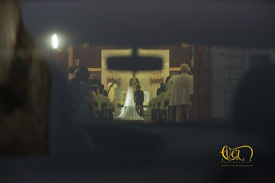 fotografo profesional de bodas expulsado de misa por el sacerdote fotografo de bodas en guadalajara jalisco mexico Ever Lopez www.everlopezblog.com