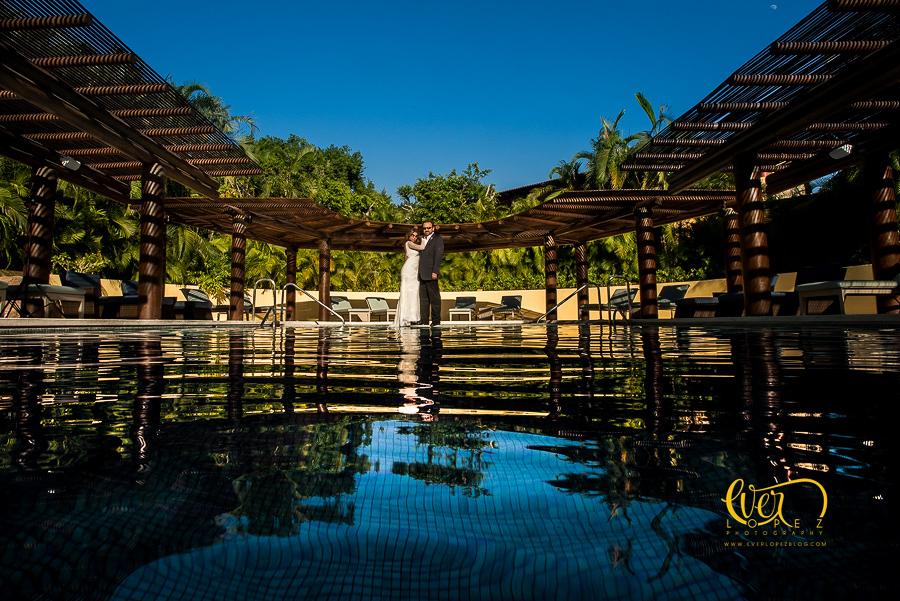 Debajo del agua fotografo de bodas en guadalajara ever lopez for El hotel que esta debajo del agua
