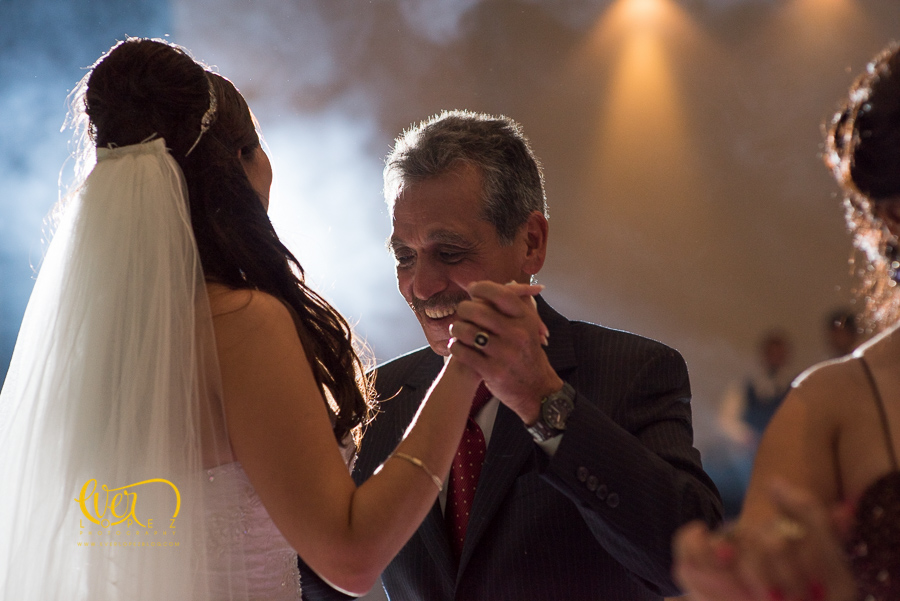 Salon de eventos Petrova, Guadalajara, Jalisco, Mexico. fotos boda, novios, baile, salon, terraza, jardin, xv años