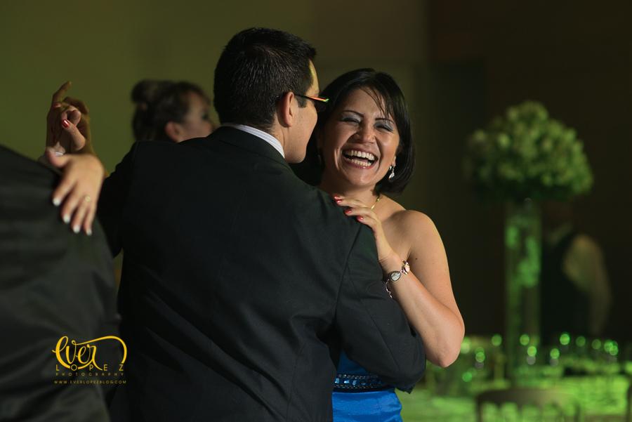 Salon de eventos Petrova, Guadalajara, Jalisco, Mexico. fotos boda, novios, baile, salon, terraza, jardin, xv años, yakarta, yacarta, fotos, fotografias