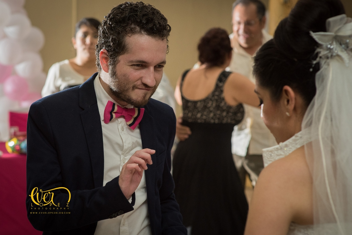 Fotos de boda, invitados bailando, fotos divertidas de bodas Veracruz, Mexico.