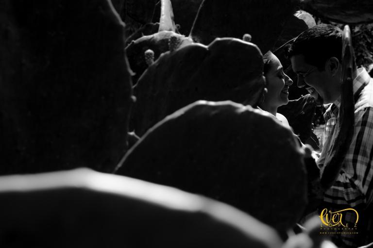 Entrega de anillo de compromiso durante vuelo en globo aerostatico.  Guadalajara, Jalisco, Mexico. fotos novios, lugares para fotos de bodas Guadalajara