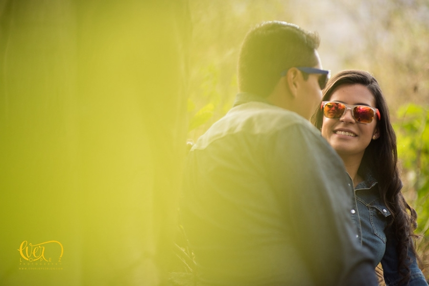 fotografo de bodas en Guadalajara, opciones de locaciones y lugares para fotos casuales de novios, fotos en el bosque