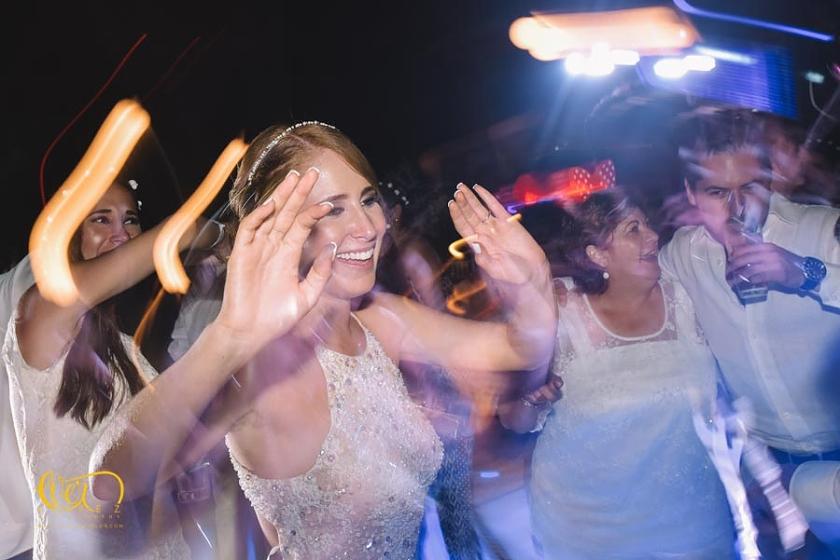 fotos de boda en hotel mayan palace puerto vallarta nuevo vallarta nayarit grand, fotografo profesional de bodas en punta de mita Ever Lopez sayulita punta monterrey, mejor, lugar, mejores, lugares, para bodas, fotografo, fotografos de bodas, baile de novios, grupo versatil, dj, musica, organizacion de bodas, wedding planner, telefono, direccion, Ever Lopez, nuevo vallarta, grand mayan palace, westin regina, melia, marriot casamagna , melia vacation club, meliá, velas vallarta, grand velas, bay view, hotel, playa, boda civil, fotos novios, vals