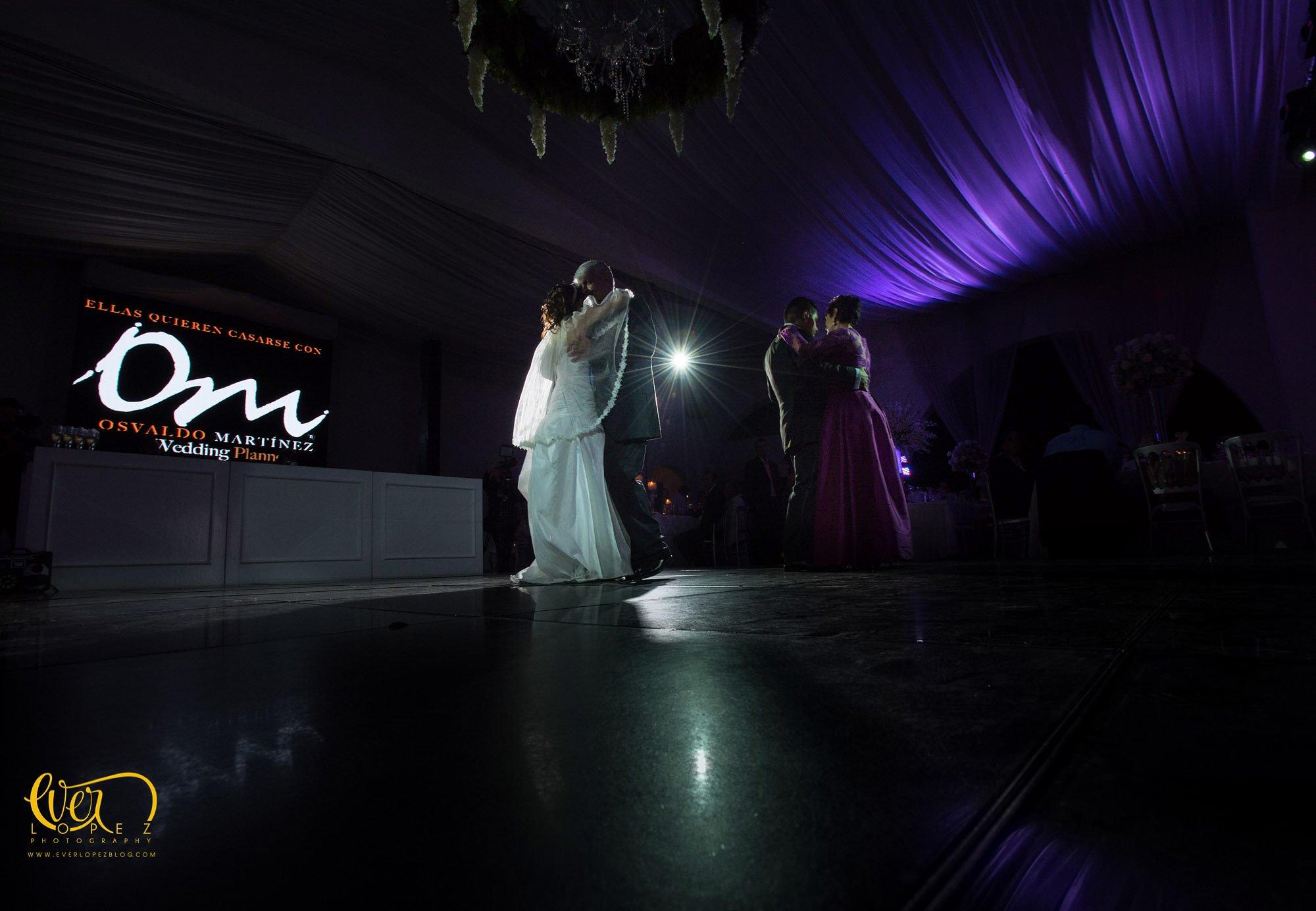 Osvaldo Martinez wedding planner