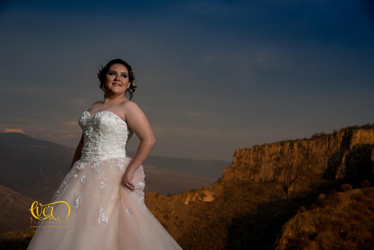 Fotografo de Quinceañeras en Guadalajara, sesion de XV años y fiesta de15